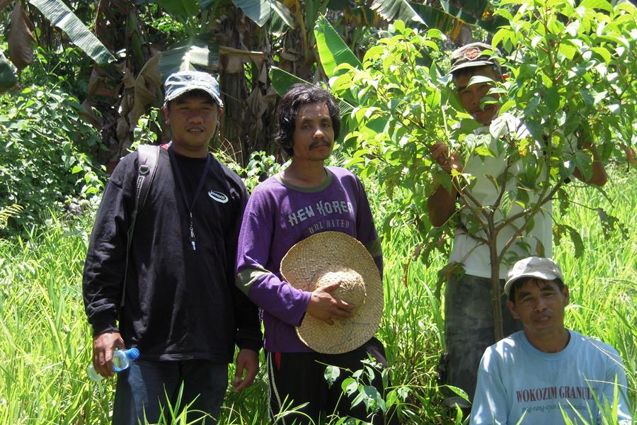 Farmers participating in our Quirino Forest Carbon Project